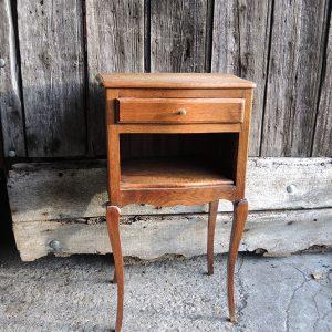 Table De Chevet Vintage En Bois Et Pieds Cabriole