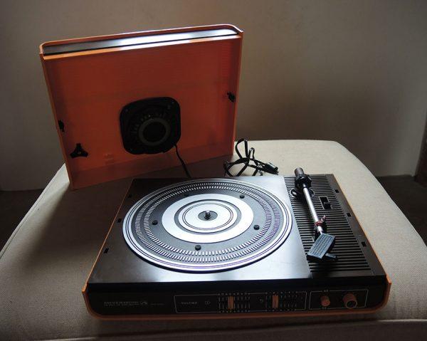ancien-tourne-disque-electrophone-valise-pathe