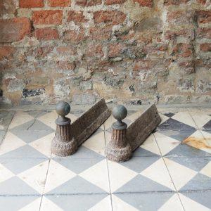 Anciens Chenets en Fonte Colonne