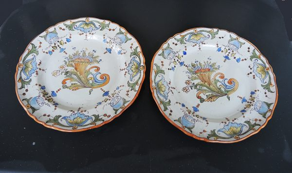 2-anciennes-assiettes-peintes-main-signees
