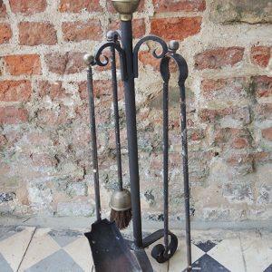 Serviteur de Cheminée Vintage : Fer & Laiton