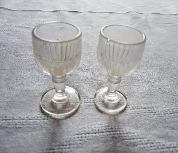 2-anciens-verres-a-digestif