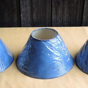 3 anciens abat-jour Bleu NEUFS D25 cm