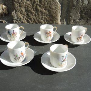 Anciennes Tasses À Café Equestre En Porcelaine