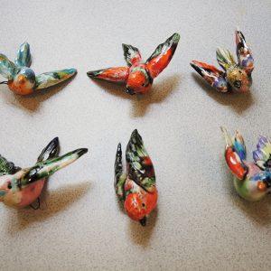Anciens Oiseaux Décoratifs En Faïence