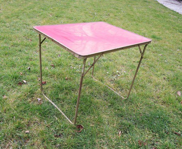 table-de-camping-pliable-en-formica-rouge