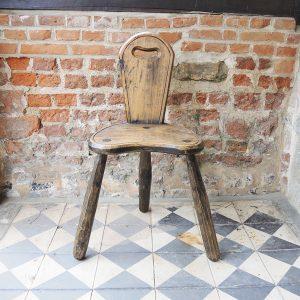 Chaise Trépied Vintage « Primitive » En Bois