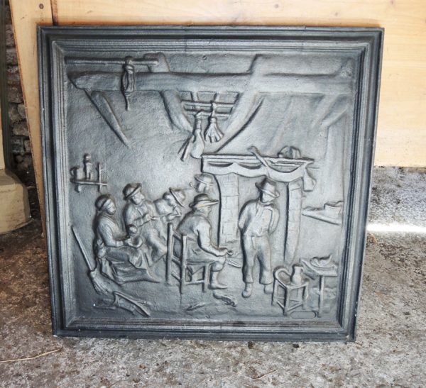 ancienne-plaque-de-cheminee-en-fonte