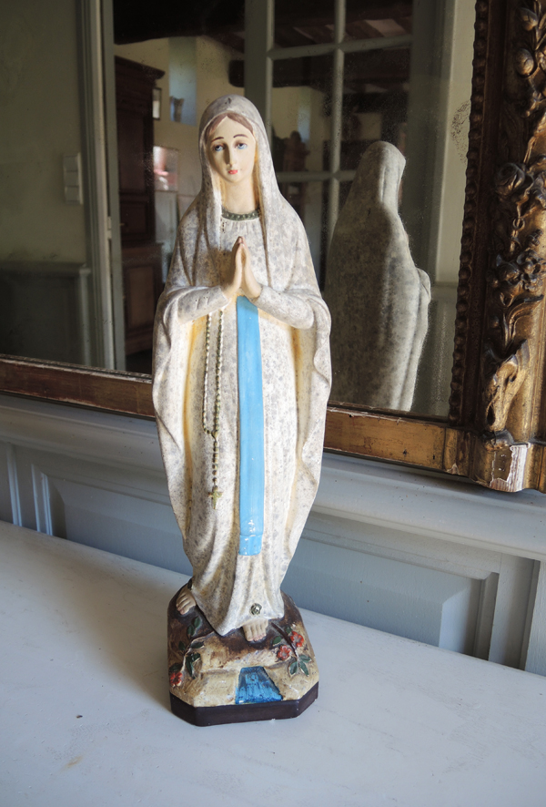 ancienne-statuette-vierge-marie-palais-du-rosaire