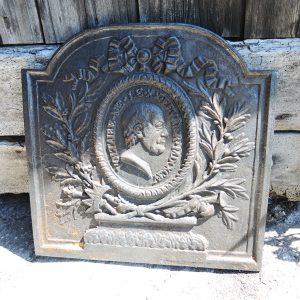 Plaque de Cheminée antique en Fonte Décor Voltaire