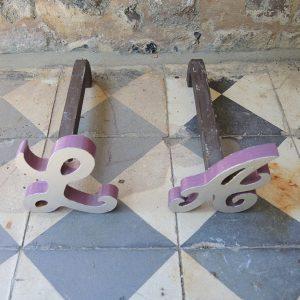 Petits Chenets vintage en Fonte Repeinte