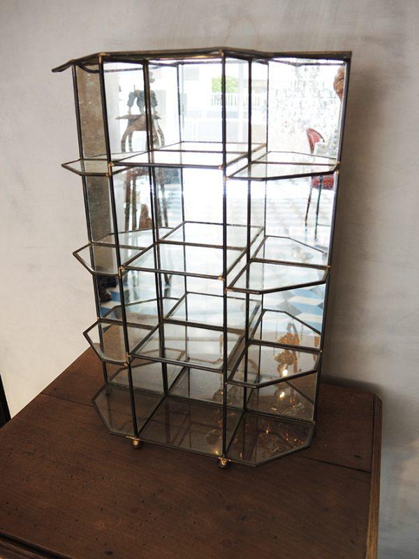 ancienne-petite-vitrine-fond-miroir