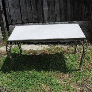 Table Basse vintage avec Piètement en Métal Ajouré