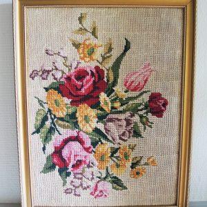 Tapisserie-Canevas Vintage Fleurs Encadrée H 53 x LA 41 cm