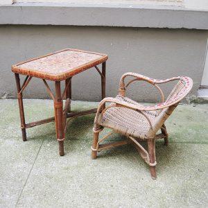 Fauteuil et Table Vintage Pour Enfant en Osier