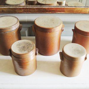 Lot de 5 Pots Vintage en Grès « de Bonny » avec Couvercle